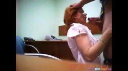 La secretaria ganándose un aumento de sueldo