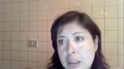 Maestra enseña las tetas a alumnos en clase online